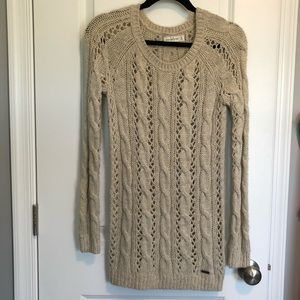 Abercrombie & Fitch Cable Knit Sweater XS